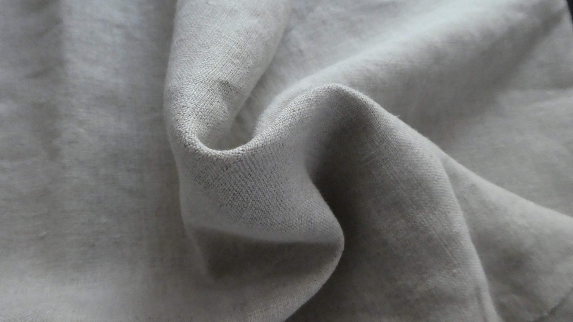 No.1002 Linen 100% Japan ecru MOQ 2000 centimeters
